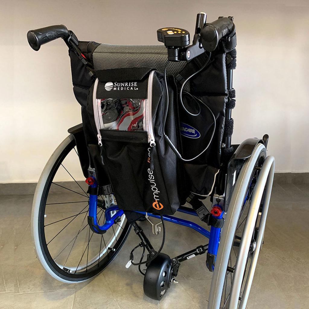 Motor auxiliar acompañante para sillas de ruedas manuales