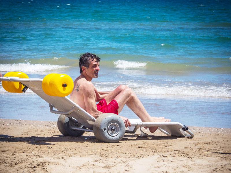 Tumboroller en la playa - reclinado